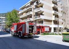 Φωτιά και έκρηξη στον Βύρωνα από άγνωστη αιτία