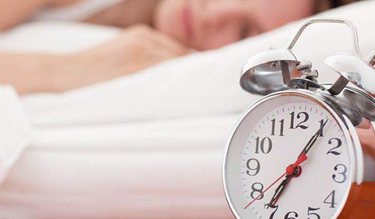 Αυξημένος ο κίνδυνος μόλυνσης από κορονοϊό και βαριάς Covid-19 για όσους έχουν αϋπνία, διαταραγμένο ύπνο και υπερκόπωση