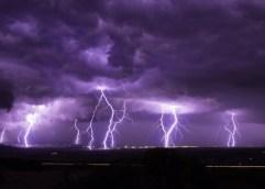 """Ο ΚΥΝΗΓΟΣ ΚΑΤΑΙΓΙΔΩΝ Κ. ΕΜΜΑΝΟΥΗΛΙΔΗΣ ΣΗΜΕΙΩΝΕΙ ΟΤΙ """"Έχω παρακολουθήσει πάρα πολλές καταιγίδες, αλλά αυτό που είδαμε στην περίπτωση της Χαλκιδικής δεν το έχω ξαναδεί"""""""