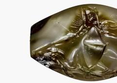 Ο τάφος του Γρύπα Πολεμιστή στην Πύλο κυριαρχεί σε άρθρο του περιοδικού Archaeology