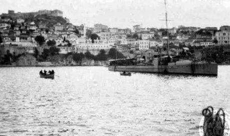 Στις 26 Ιουνίου 1913 το τορπιλοβόλο «Δόξα», οδηγούμενο από πλωτάρχη Αντώνη Κριεζή, άριστο γνώστη της ναρκοθέτησης του διαύλου, προσορμίστηκε στην Καβάλα και απελευθέρωσε την πόλη.