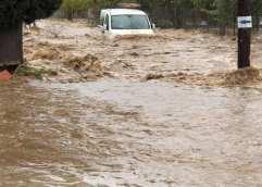 Θάσος: Δύσκολη νύχτα για τους κατοίκους στη νότια πλευρά του νησιού λόγω της καταρρακτώδους βροχής
