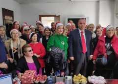 Χριστουγεννιάτικα κάλαντα και ευχές στον Δήμαρχο Θάσου