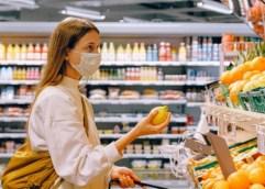 Σε ποιές επιχειρήσεις είναι υποχρεωτική η μάσκα για προσωπικό και κοινό και ποιος πληρώνει το πρόστιμο της μη χρήσης