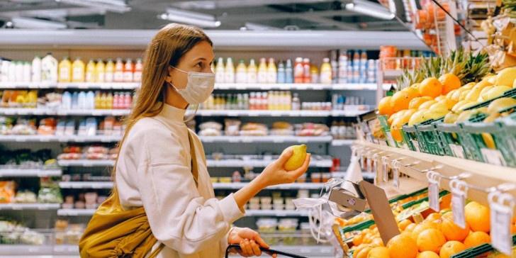 Με ενιαίο ωράριο θα λειτουργήσουν τα καταστήματα τροφίμων από την Κυριακή λόγω του εορταστικού ωραρίου του Πάσχα