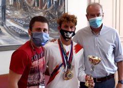 """Επίσκεψη του παγκόσμιου πρωταθλητή Ελευθέρας Πάλης του Παλαιστικού Συλλόγου """"Μέγας Αλέξανδρος"""" Καβάλας, Γιάννη Μαρτίδη στον δήμαρχο Καβάλας"""