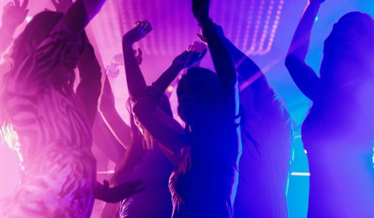 Στην περιοχή της Καβάλας «καμπάνα» για πάρτι πέντε ατόμων
