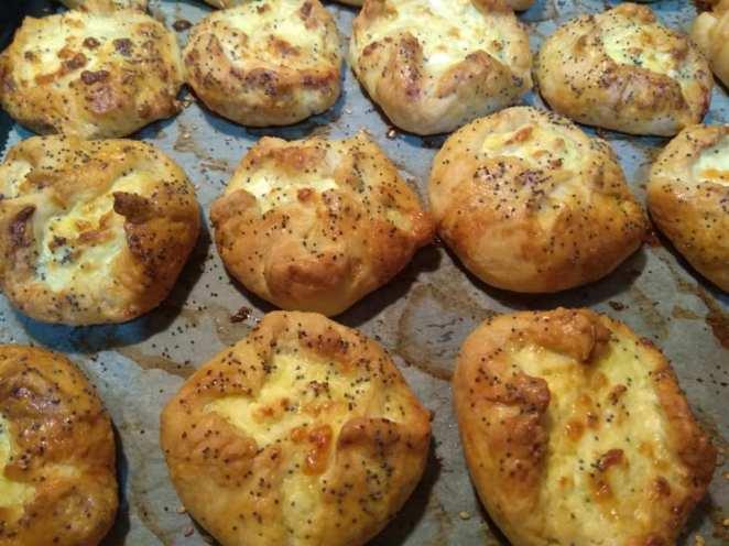 Η συνταγή της ημέρας: Αφράτα πεντανόστιμα τυροπιτάκια!