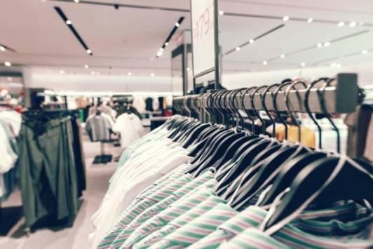 Il vaut mieux aller en boutique pour vos sous-vêtements.