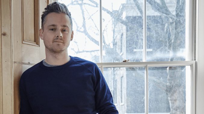 Check out a live acoustic version of TOM CHAPLIN'S New Single 'See It So Clear'