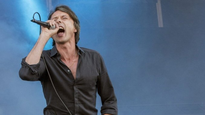 BRETT ANDERSON embraces Suede's early days 2