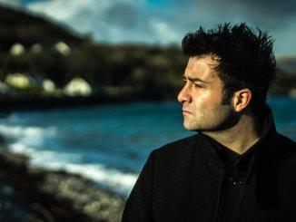 Ben Glover wins the UK Album of the Year award for his latest album Shorebound