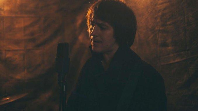 VIDEO PREMIERE: Alt-folk troubadour GALLERY 47 unveils video for new single 'Choices'