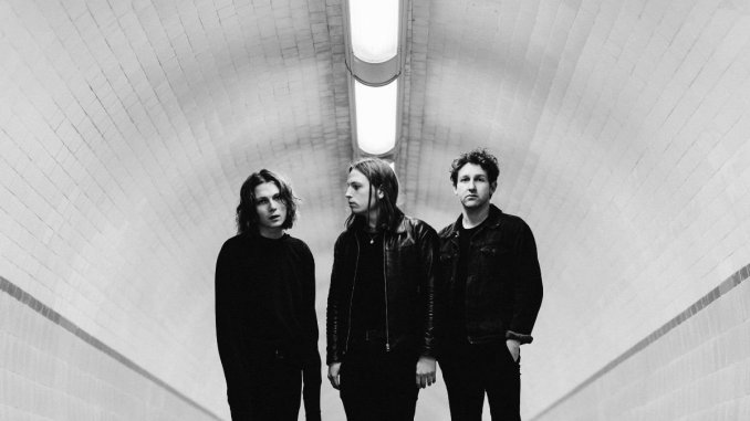 THE PALE WHITE return with huge new single 'Polaroid'