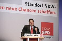 Sigmar Gabriel, Bundesumweltminister bei seine...