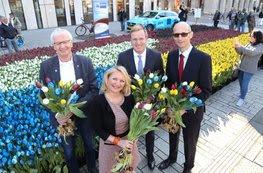Der Geschäftsführer der DNHK, Günter Gülker (2.v.r.), eröffnete gemeinsam mit dem Generalkonsul der Niederlande in Düsseldorf , Ton Lansink (1.v.r.), Bürgermeister Günter Karen-Jungen (1.v.l..) und Anouk Susan, Geschäftsführerin von NBTC Holland Marketing