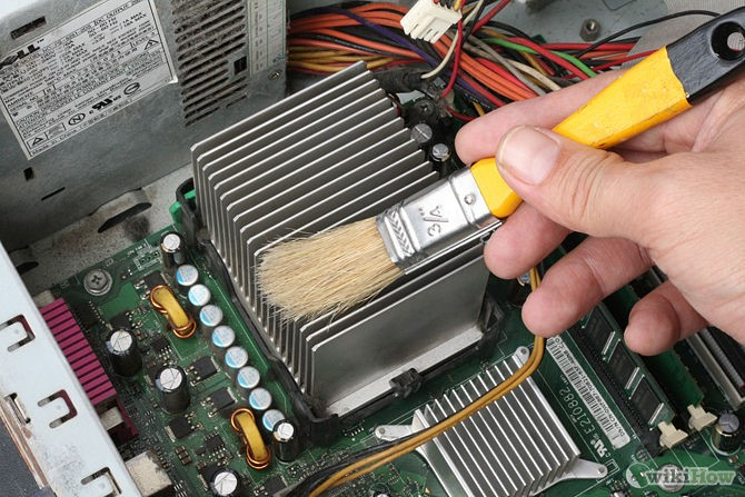 cleaning-computer-hardware