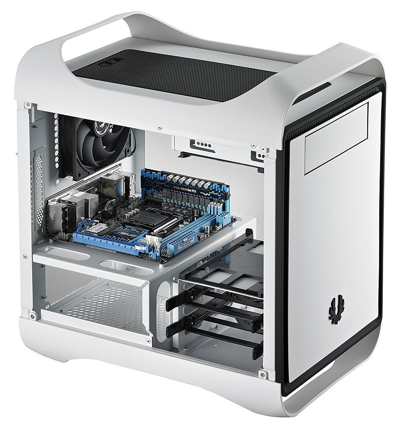 BitFenix Mini-ITX case 1