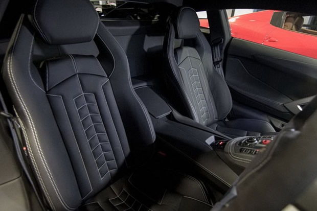 kahn-design-lamborghini-aventador-with-new-wheels-and-interior