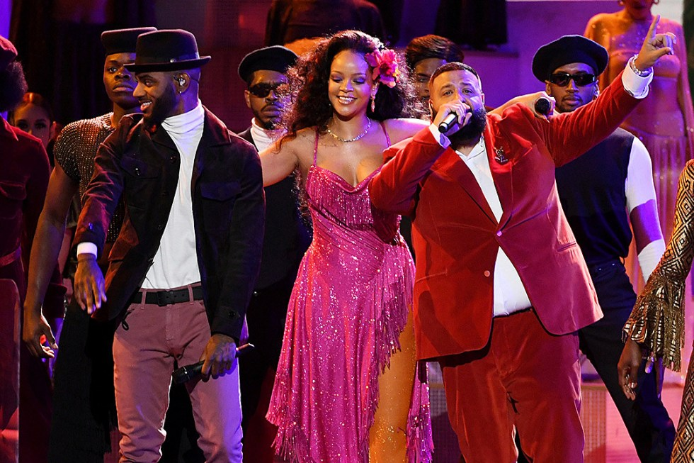 Rihanna, Bryson Tiller and DJ Khaled receiving a standing ovation from the Grammy 2018 audience after their performance of