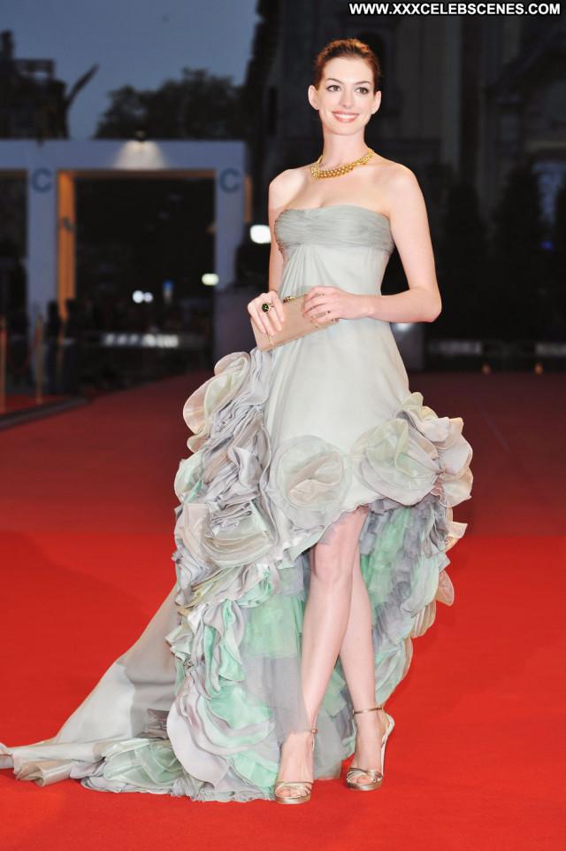 Anne Hathaway Rachel Getting Married Paparazzi Hat Babe Beautiful