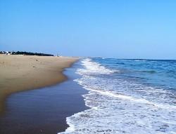 Plage vagues sur le sable