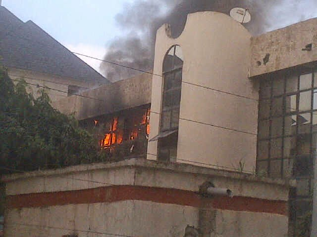 nff-glass-house-on-fire-0