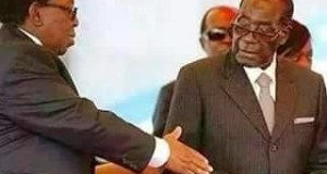 Robert Mugabe Refuses To Shake Hands With Zulu King