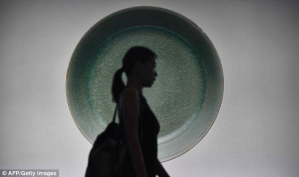 1000 year old Chinese bowl sold