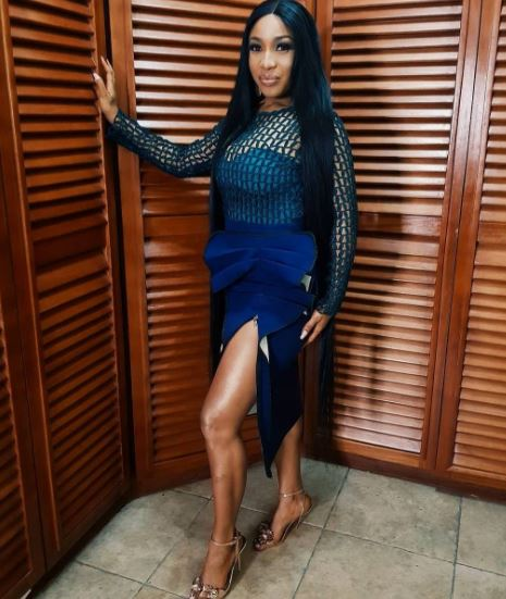 Tonto Dikeh rocks high slit dress