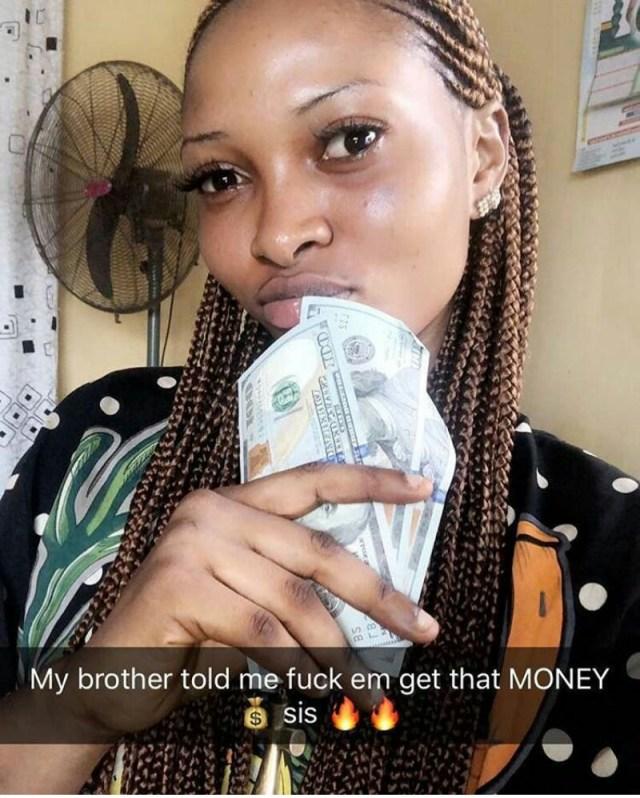 Nigerian Lady Flaunts Dollars