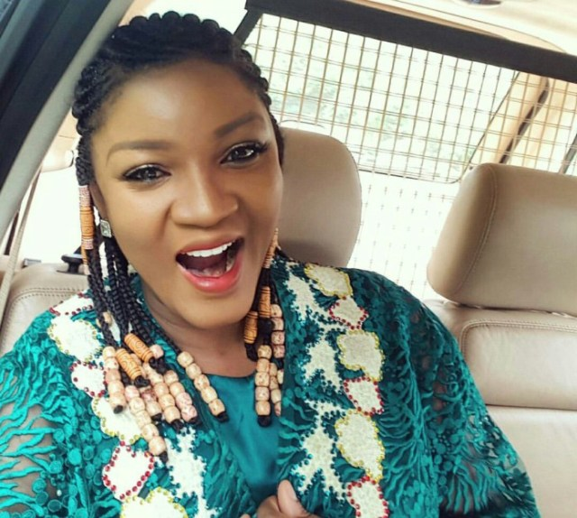 I don't read blogs, it's addictive and ruins relationships Omotola Jalade Ekehind