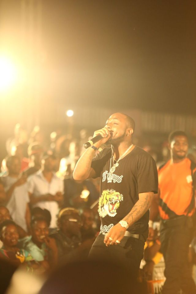 IMG 7727 preview - Davido, Runtown, Mr. P, Niniola, Oritsefemi, 9ice, Olu Maintain, Falz & more Shutdown Barbeach at the Merrybet Celebrity Fans Challenge Event