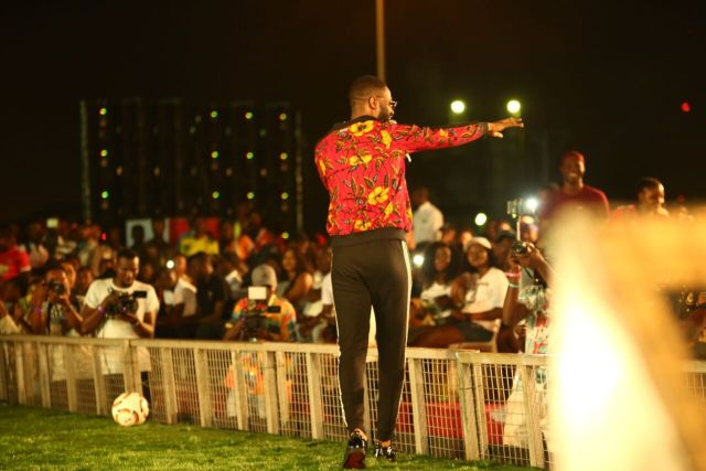MCFC17 - Davido, Runtown, Mr. P, Niniola, Oritsefemi, 9ice, Olu Maintain, Falz & more Shutdown Barbeach at the Merrybet Celebrity Fans Challenge Event