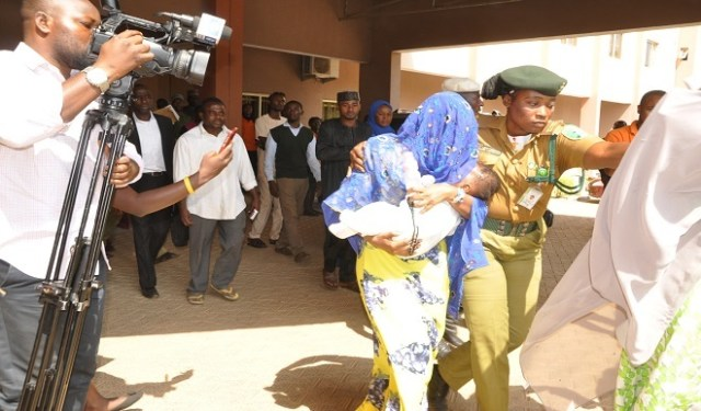 Maryams 0 - Photos of Maryam Sanda, cuddling her baby today, as court refuses pleas, sends her back to prison