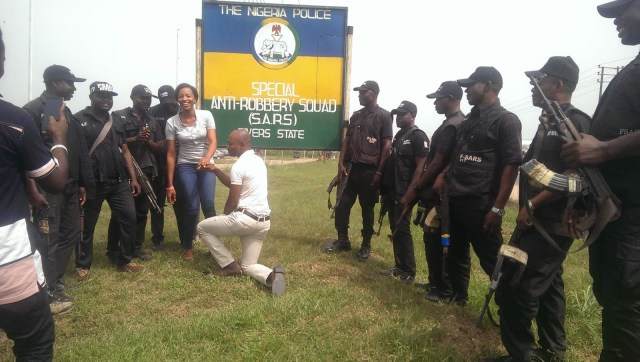 SARS Propose Rivers 03 - Nigerian man proposes to girlfriend with the help of SARS at their Headquarters in Rivers state (video)