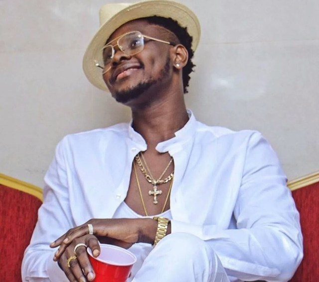 Kiss Daniel reacts