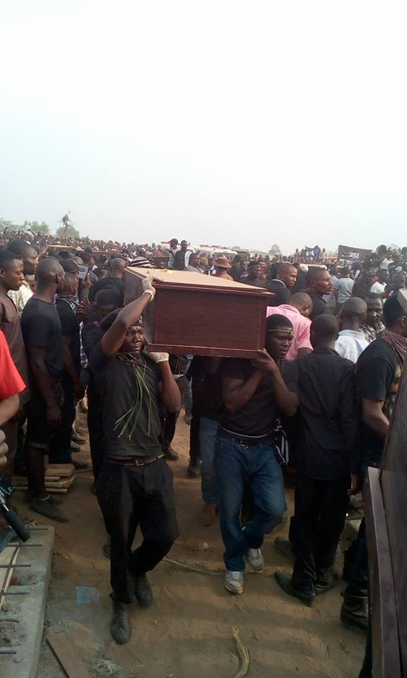 mass burial 04 - Photos from the mass burial for the 75 victims of the Fulani herdsmen attack in Benue
