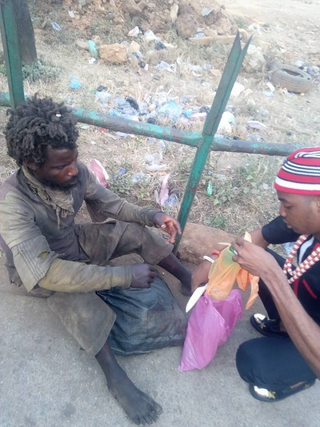 Nigerian Man Pays Tithe