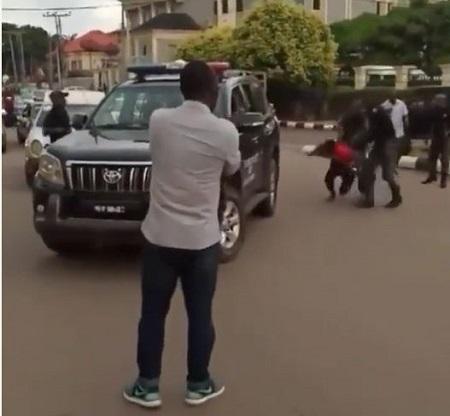 Nigerian police beat up and bundle suspected 'Yahoo boys' into a van in Benin (Photos + Video)
