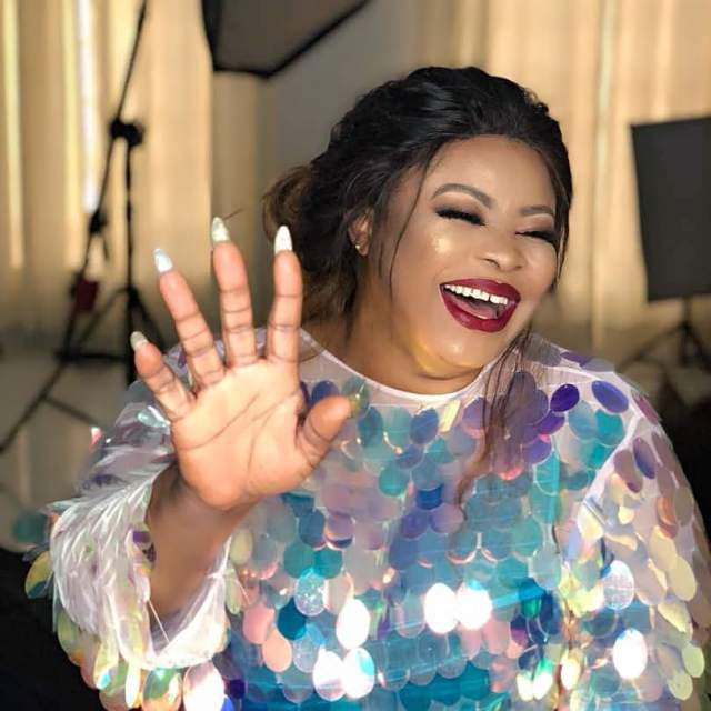 Nollywood actress Dayo Amusa has insisted that Nigerian men prefer plus size women for marriage.