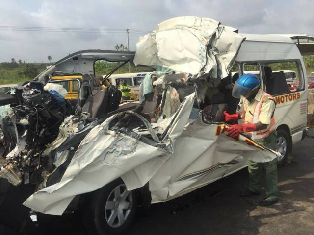 8 Persons feared dead in fatal auto crash