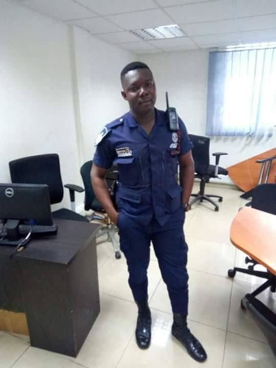 Ghanaian policeman assaults