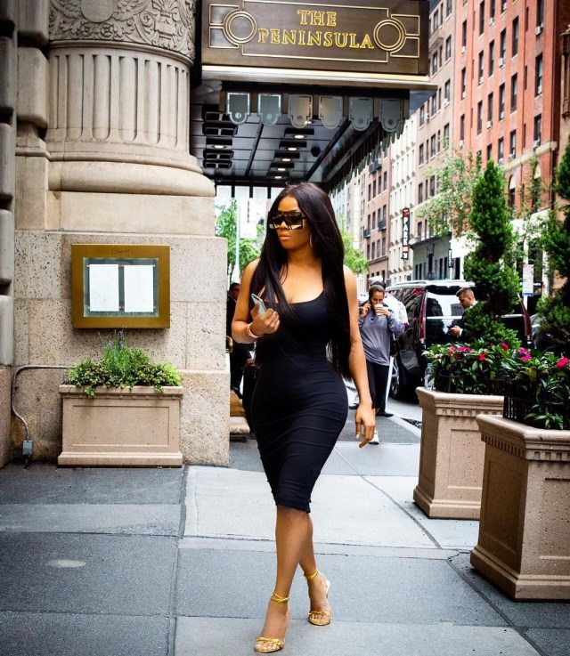 Toke Makinwa and her curves hit the streets of New York (Photo)