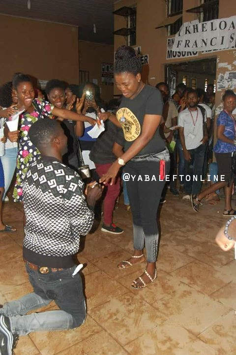 Uniben student proposed to 03 - 200 level Uniben student excited after her boyfriend proposed to her