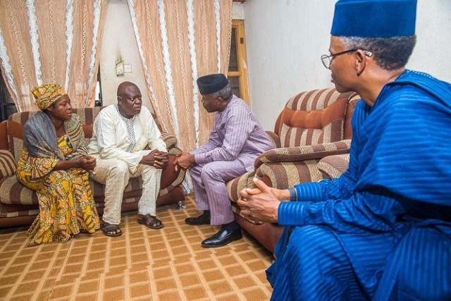 Yemi Osinbajo visits parents
