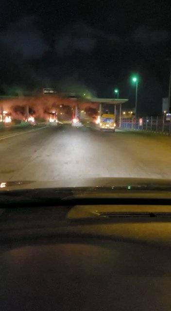 Video Of Lekki Toll Gate set on fire