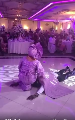 Nigerian groom goes