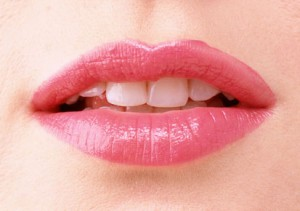 Causes Of Dry Lips During Summer