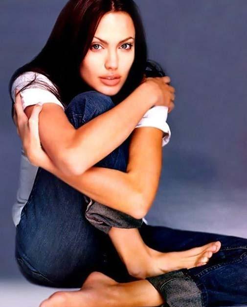 Yoga, Angelina Jolie weight, Angelina age